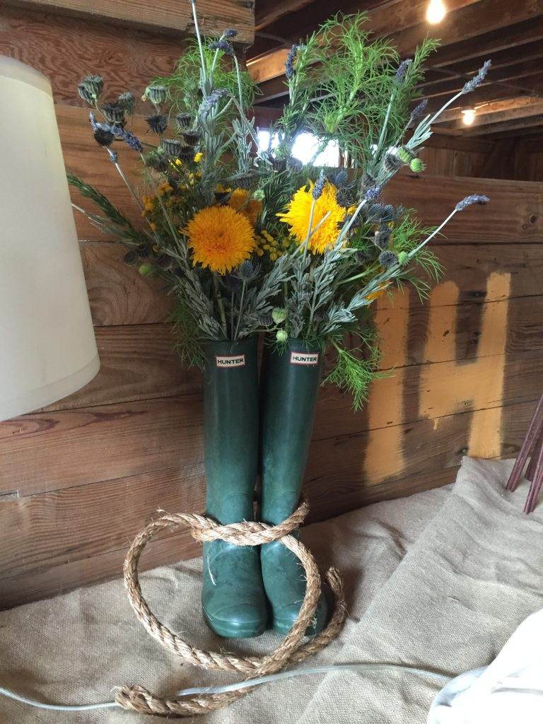 boots-with-flowers